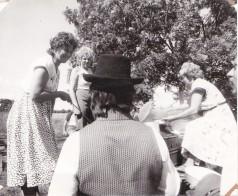 Kalurite päev Pagila rannas. Supineiud teenindamas. 1989